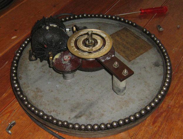http://www.uploadarchief.net/files/download/draaiplateau3a.jpg