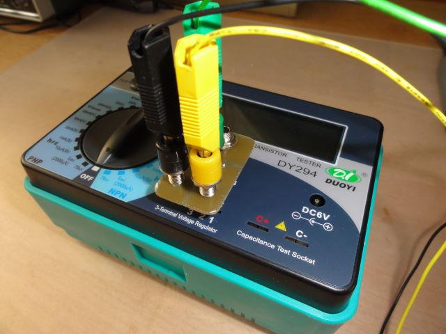 Een condensator adapter die je in de aansluiting kan schuiven en waardoor je makkelijker kleine - Een doorslag ...