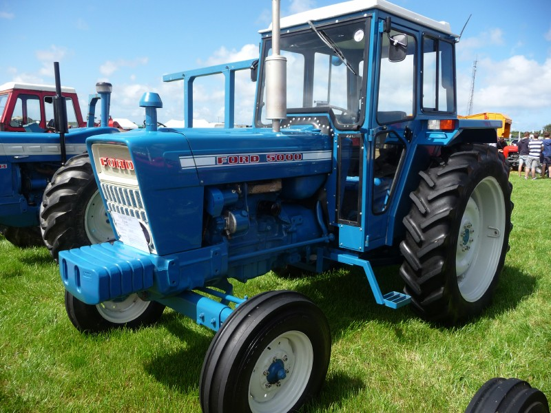 super dexta tractor with 63188 on 1957 59 Fordson Dexta further Tractor Ford Son N likewise Watch furthermore Fordson major sale besides 5177629709.