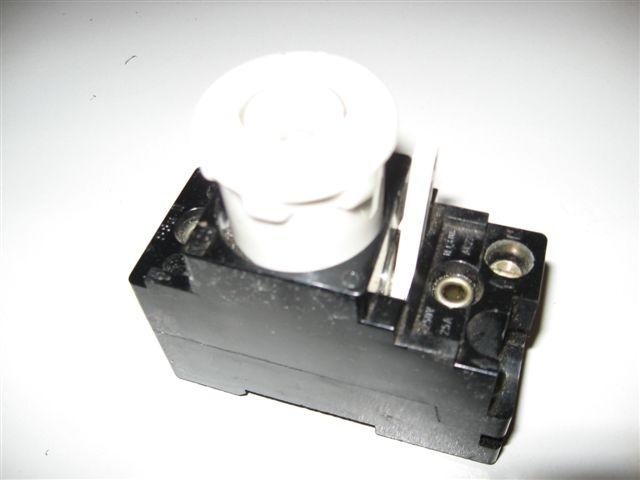 Genoeg Hager zekering automaat klapt er steeds uit XD92