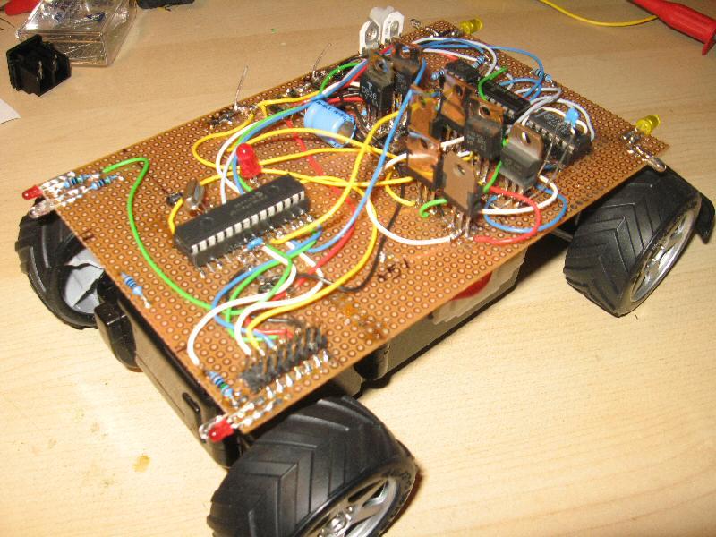 http://www.uploadarchief.net/files/download/robot2.jpg