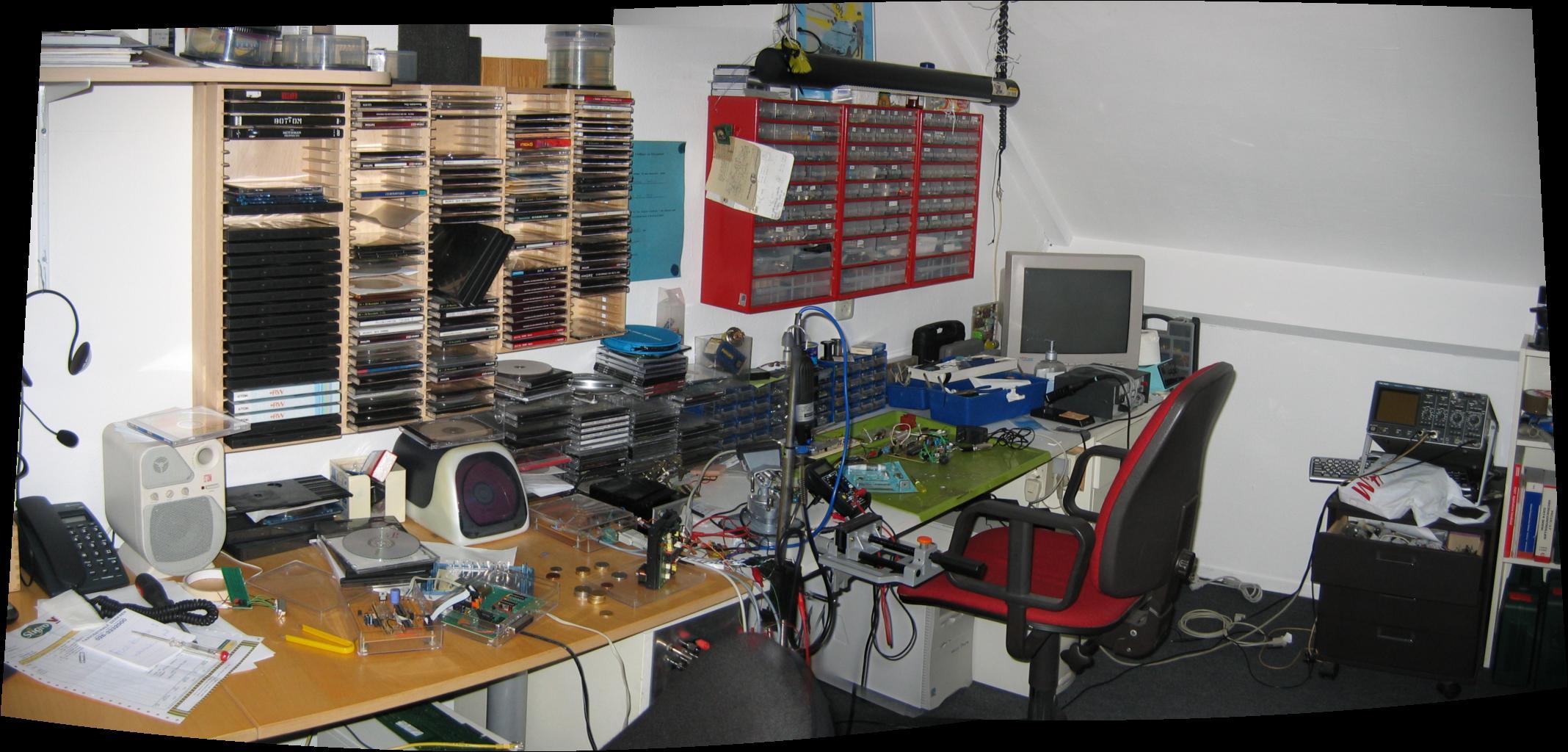 Werkplek, prutshoek, soldeertafel, knutselkamer Deel 2   Forum   Circuits Online